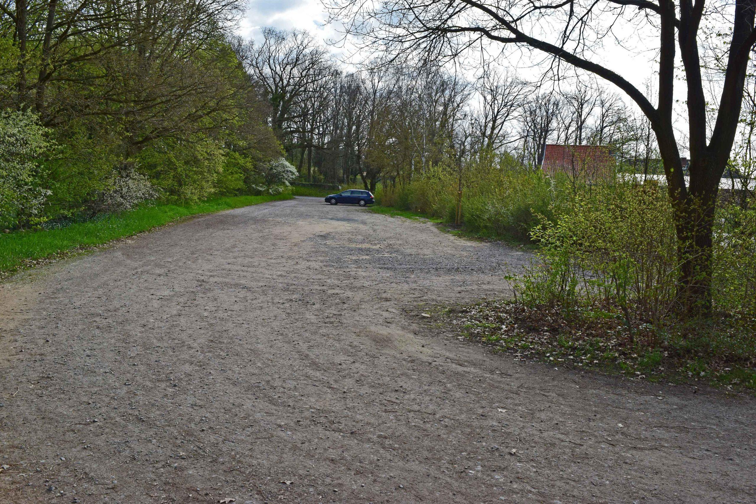 Parkplatz am Friedhof